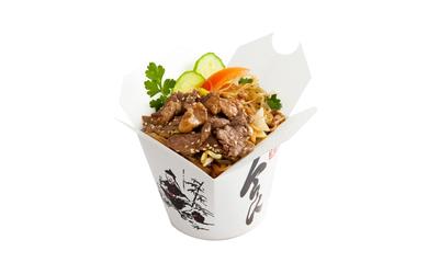 Лапша рисовая со свининой и овощами